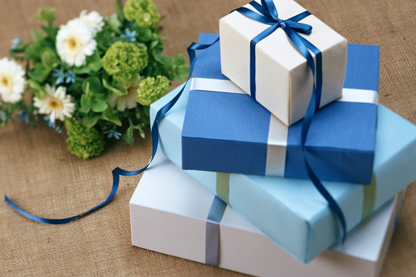 كيف تصنع هدية لشخص تحبه مجلة رجيم