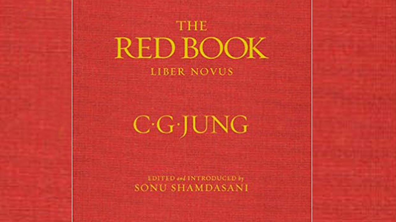 من هو صاحب الكتاب الأحمر