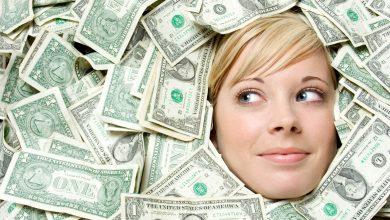 البنت المادية تعشق المال وتراه وسيله لتحقيق كل ما تتمناه