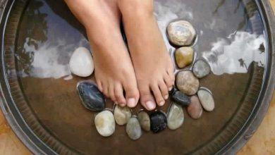 علاج آلام القدمين بالأملاح