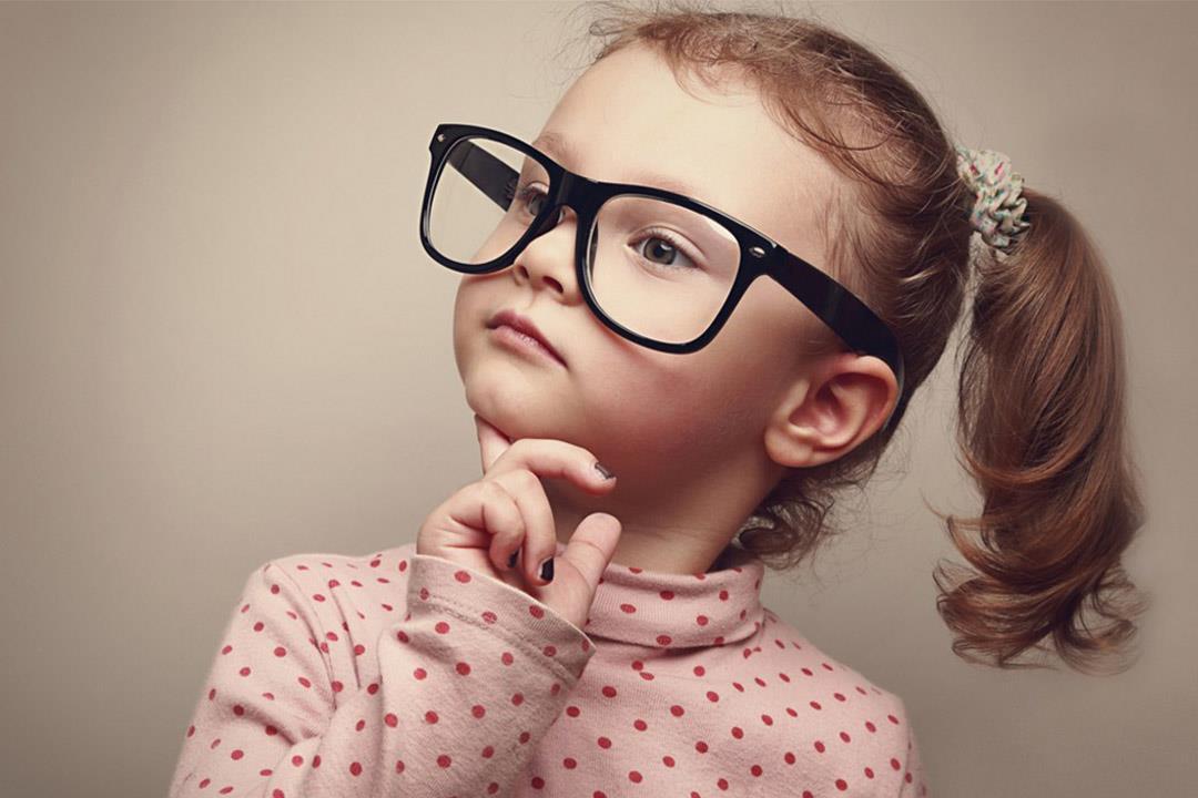 تقوية النظر عند الاطفال بالطرق الطبيعية .