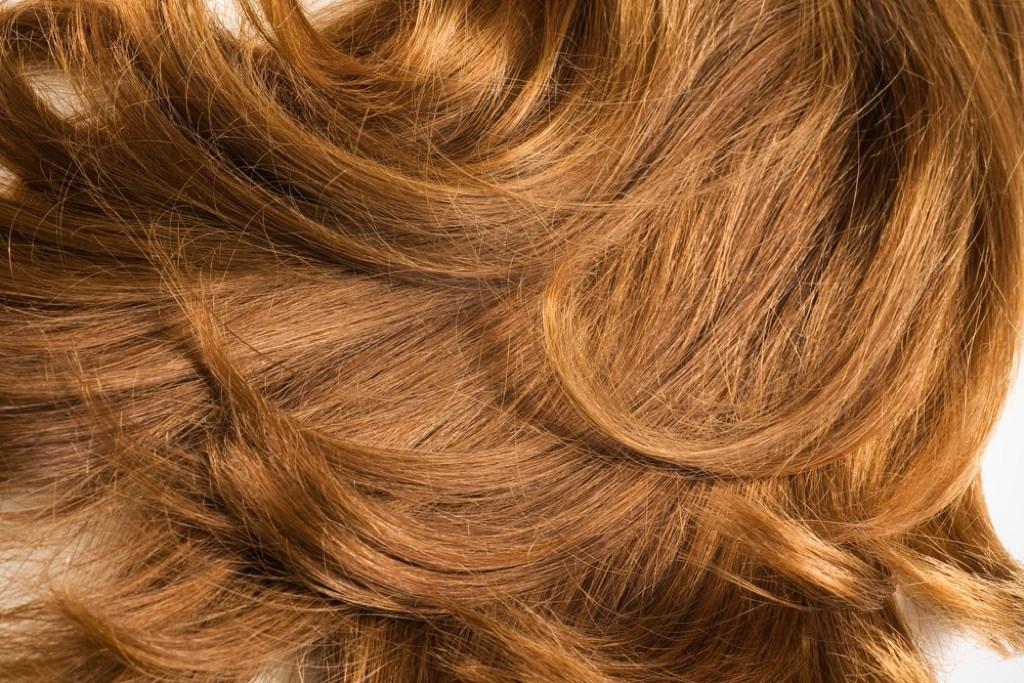 كيف تحاربين تساقط الشعر بعد سن ال40