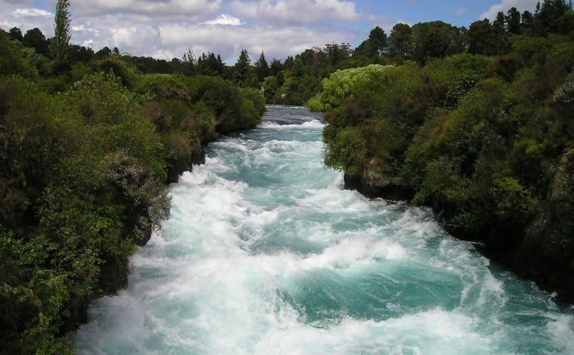 6 تفسيرات لحلم الماء الجاري في المنام مجلة رجيم