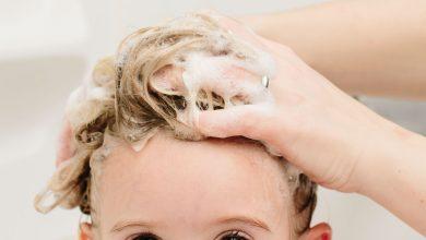 النصائح السهلة لغسل شعر طفلك