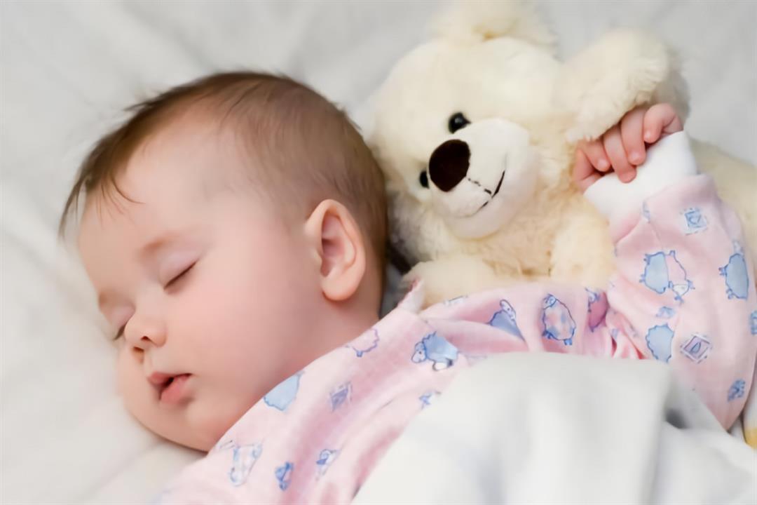 نوم الطفل حديث الولادة