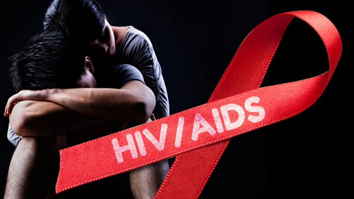 أعراض وأسباب الإصابة بمرض الإيدز